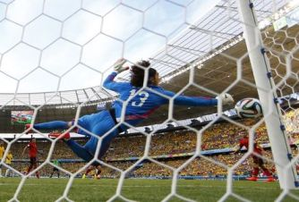 Guillemo-Ochoa-evita-gol-Neymar_MILIMA20140617_0256_8